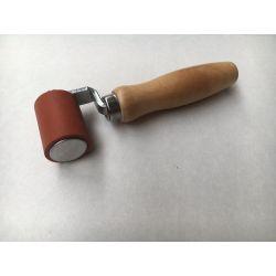 Aandruk wals 40mm breed met houten handvat